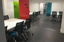 Equipement professionnel pour aménagement d'une salle de travail - Incubateur Edhec