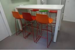 Table et chaises de réunion - Ameublement école ISTC
