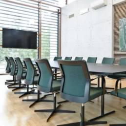 Table et chaises de réunion - Mot de Passe