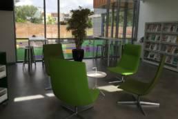 Ameublement espace lounge médiathèque de Beuvrages