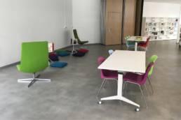 Ameublement espace lounge de la Médiathèque de Beuvrages